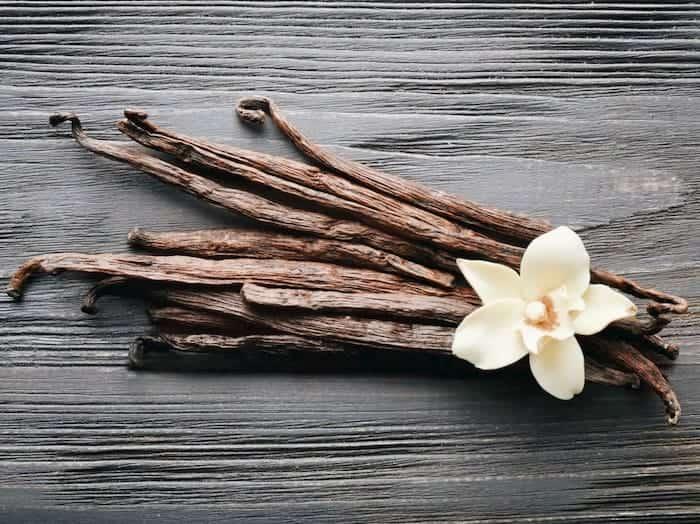 Vanille-mit-blume-ist-gut-für-den-Körper-und-Psyche